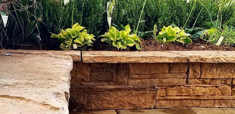 segmented retaining wall system