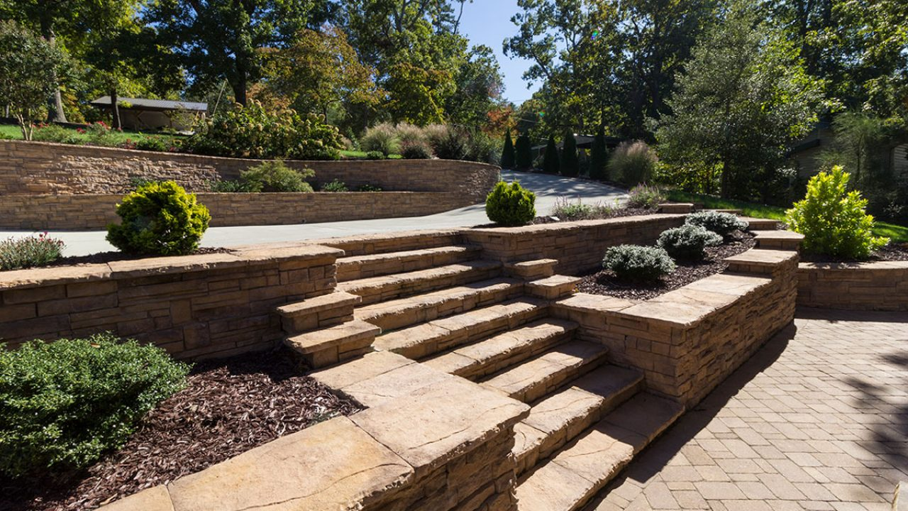 Building Stairs Into Your Retaining Wall Design Heritage Block